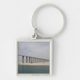 Canal de Egipto, Suez. Puente de la paz de la paz  Llavero Cuadrado Plateado