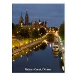 Canal de Rideau y los edificios del parlamento en  Tarjetas Postales