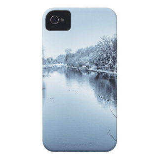 Canal en invierno iPhone 4 Case-Mate protectores