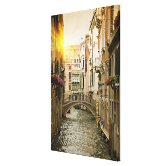 Canal urbano impresión en lienzo