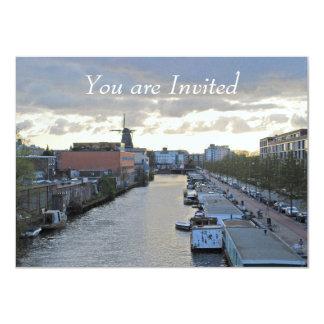 """Canal y molino de viento de Amsterdam con el sol Invitación 4.5"""" X 6.25"""""""