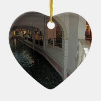 Canales de LAS VEGAS debajo de la ciudad de los Adorno De Cerámica En Forma De Corazón
