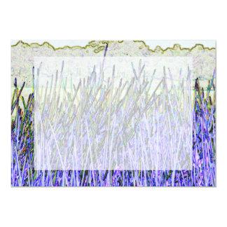 Cañas abstractas en colores púrpuras y blancos invitación 12,7 x 17,8 cm