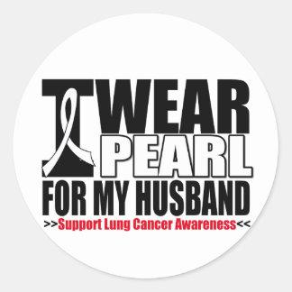 Cáncer de pulmón llevo la cinta de la perla para pegatina redonda