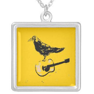 canción de la guitarra del cuervo (color de la gui pendiente