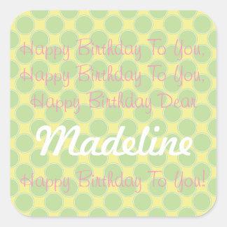 Canción rosada amarilla feliz del cumpleaños del pegatina cuadrada