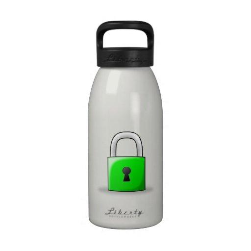 Candado verde botellas de agua reutilizables