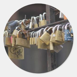 Candados del amor, Praga Etiqueta Redonda