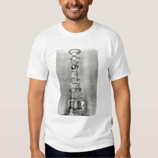 Candelabros diseñados por Piranesi sobre la base Camisas