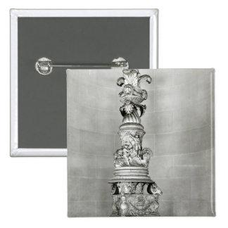 Candelabros diseñados por Piranesi sobre la base Pin Cuadrado