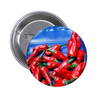 Candente y azul: pimientas de chiles pin redondo de 2 pulgadas