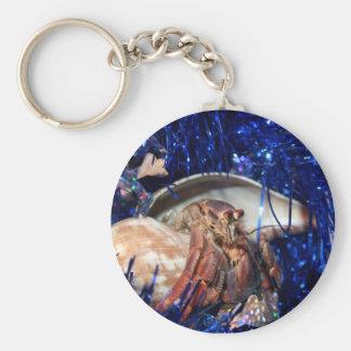 Cangrejo de ermitaño con malla azul del día de fie llavero redondo tipo pin