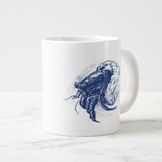 Cangrejo de ermitaño en azul marino taza de café gigante