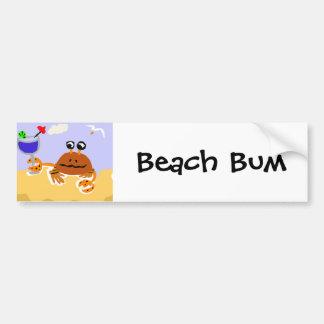 Cangrejo divertido en el arte de la playa pegatina para auto