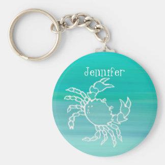 Cangrejo personalizado en un océano coloreado llavero redondo tipo pin