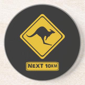 canguros siguientes de 10 kilómetros posavasos para bebidas