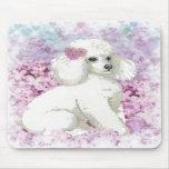 Caniche blanco en el arte y los regalos de las lil alfombrillas de raton