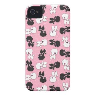 Caniche Cuties en la identificación rosada iPhone4 Case-Mate iPhone 4 Cárcasas