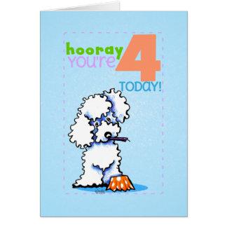 Caniche de la edad 4 del feliz cumpleaños de los tarjeta de felicitación