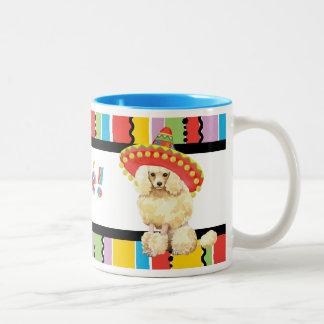Caniche miniatura de la fiesta taza dos tonos