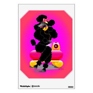 Caniche negro retro en rosas fuertes del teléfono vinilo adhesivo