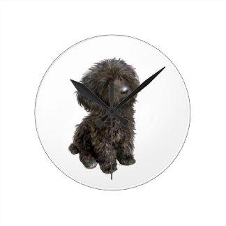 Caniche - perrito negro del juguete reloj de pared