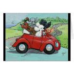 Caniches en convertible rojo del vintage tarjeta de felicitación