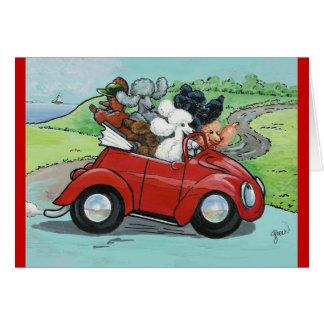 Caniches en convertible rojo del vintage tarjeta pequeña