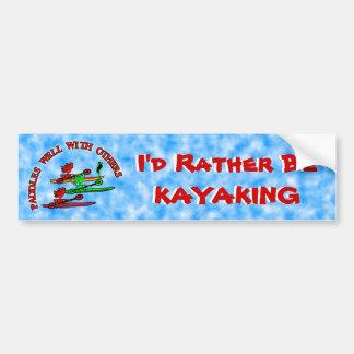 Canoa del kajak - paletas bien con otras etiqueta de parachoque