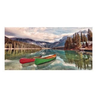 Canoas en el lago esmeralda impresiones fotograficas