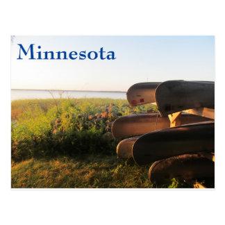 Canoas en el lago leech postales