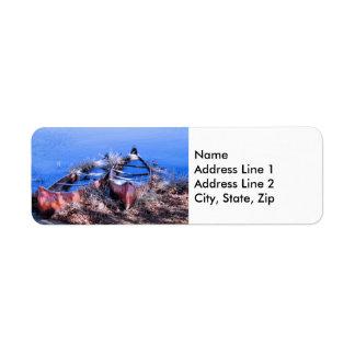 Canoas llenas de agua etiqueta de remitente