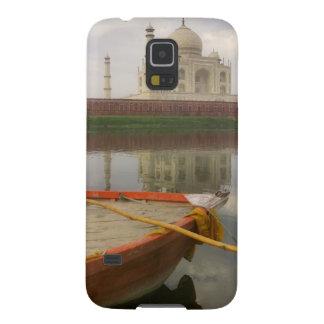 Canoe en agua con el Taj Mahal, Agra, la India Carcasas Para Galaxy S5