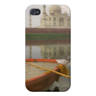 Canoe en agua con el Taj Mahal, Agra, la India iPhone 4 Carcasa