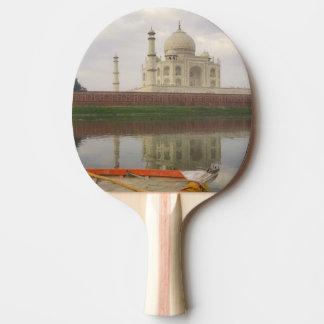 Canoe en agua con el Taj Mahal, Agra, la India Pala De Ping Pong