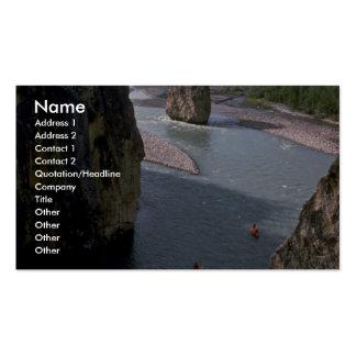 Canoeists río de la montaña territorios del noro tarjetas de visita