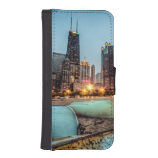 Canoes on Oak Street Beach a little after sunset Wallet Phone Case For iPhone SE/5/5s