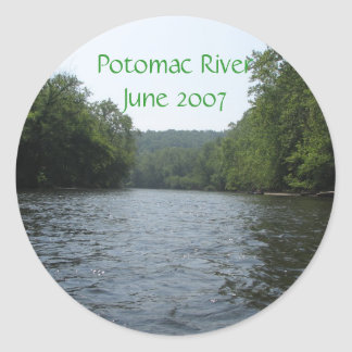 Canoing down the Potomac 5/26/07, Potomac River... Classic Round Sticker