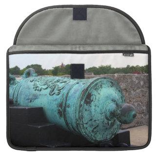 Canon en el fuerte I de St Augustine Funda Macbook Pro