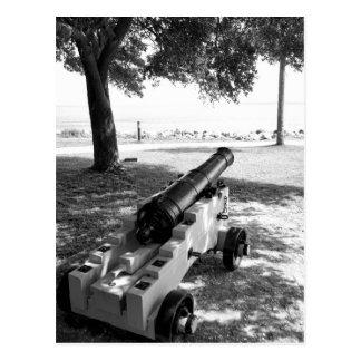 Cañón militar antiguo de la guerra civil blanco y tarjeta postal