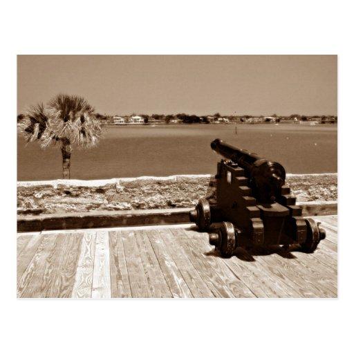 Canon sobre la sepia 1 de la entrada tarjeta postal