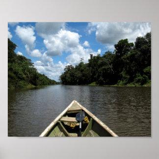 Canotaje abajo del Amazonas Póster