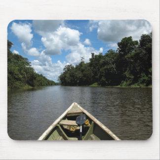 Canotaje abajo del Amazonas Alfombrilla De Ratones