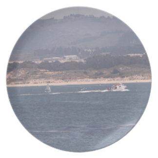 Canotaje en la placa de Monterey Platos De Comidas