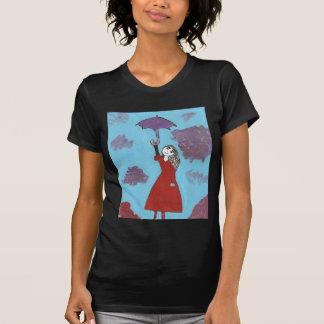 Cantando en las nubes, chica gótico del paraguas camiseta