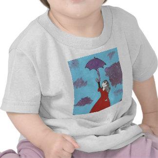 Cantando en las nubes, chica gótico del paraguas camisetas