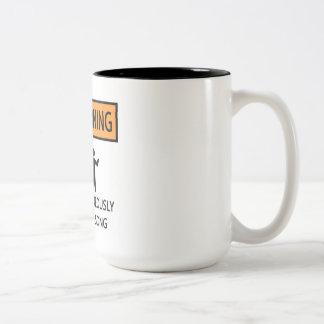 Cantante espontáneo taza de café de dos colores