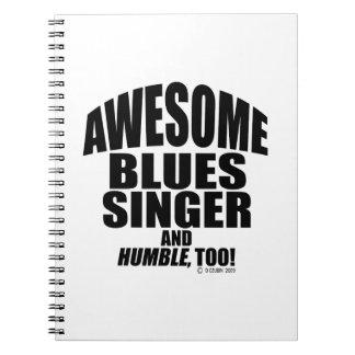 Cantante impresionante de los azules cuadernos