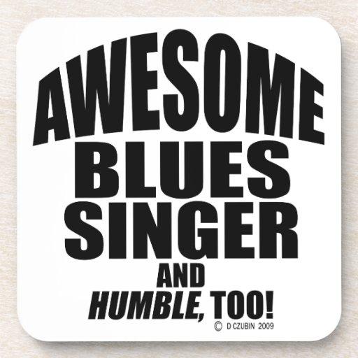 Cantante impresionante de los azules posavasos de bebida