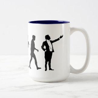 Cantantes de la ópera y amantes de la ópera que taza de café de dos colores